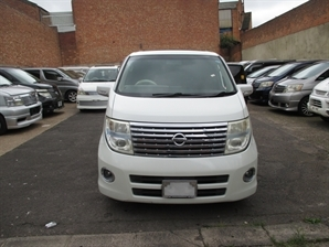 NISSAN ELGRAND 3.5 V6 8 SEATER HIGHWAY STAR TWIN SUNROOF