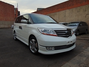 HONDA ELYSION PRESTIGE 3.5 V6 AUTO 2007 57 REG 7 SEATER MPV FRESH IMPORT LEATHER